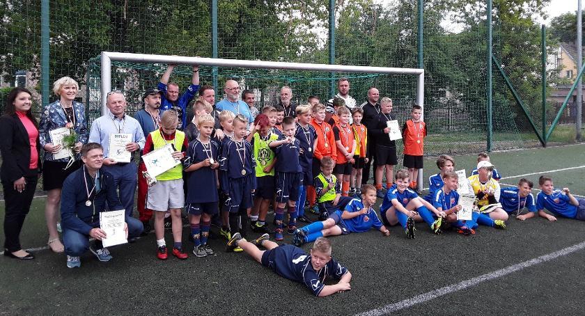 Piłka nożna, Turniej Piłki Nożnej Puchar Naczelnika Wydziału Edukacji Kultury Sportu Zdrowia - zdjęcie, fotografia