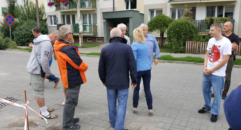 Społeczeństwo, Petycja mieszkańcy przeciwni budowie masztu! - zdjęcie, fotografia