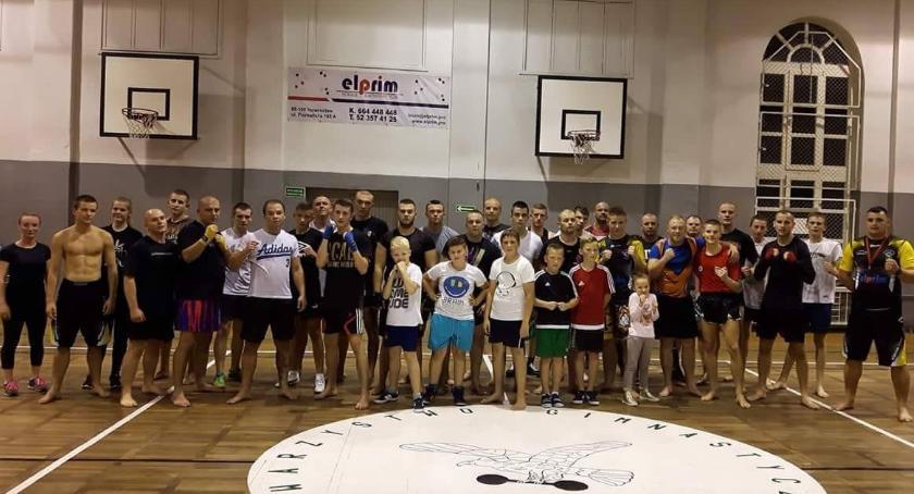 Sporty walki, Kickboxerzy wkrótce wznawiają treningi - zdjęcie, fotografia