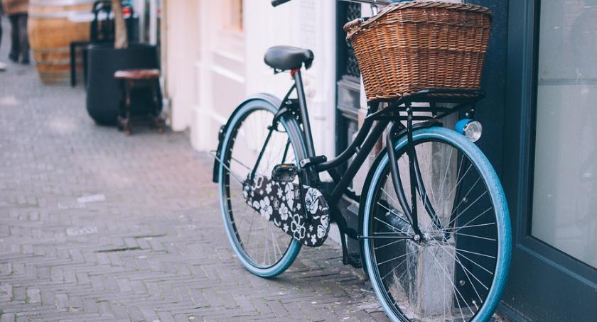 Społeczeństwo, Browiński zabiera głos sprawie rowerzystów - zdjęcie, fotografia