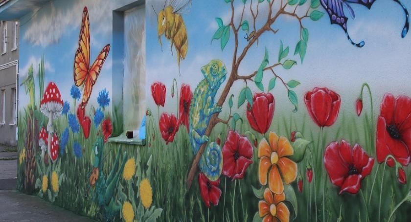 Społeczeństwo, Powstał mural Słonecznej - zdjęcie, fotografia