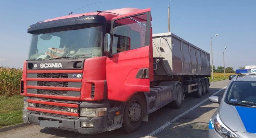Sprawy kryminalne , Ciężarówką prawa jazdy - zdjęcie, fotografia