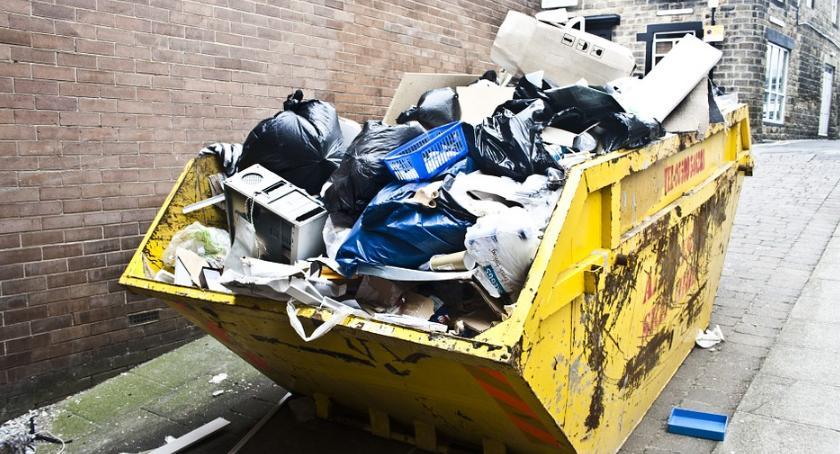 Społeczeństwo, Bezpłatnie odbiorą śmieci wielkogabarytowe - zdjęcie, fotografia