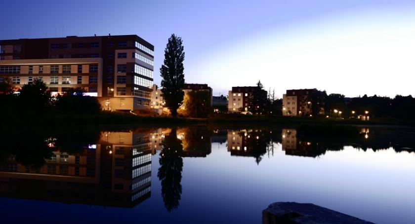 Gospodarka, Segment jeziorem spełniamy marzenia domach widokiem wodę - zdjęcie, fotografia