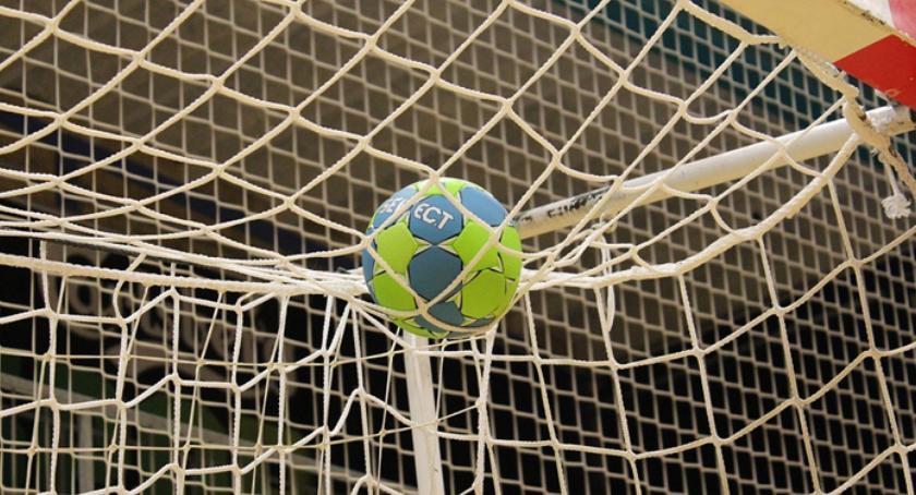 Piłka ręczna, Piłka ręczna najmłodszych Dzisiaj pierwsze zajęcia - zdjęcie, fotografia