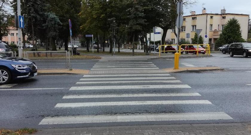 Wypadki drogowe , Kierowca potrącił nastolatkę stracił prawko - zdjęcie, fotografia