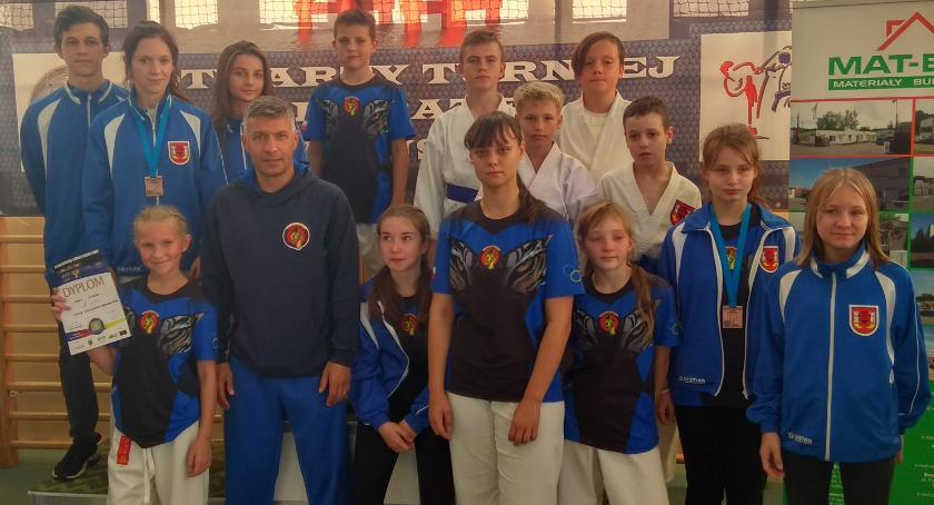 Sporty walki, Karatecy ponownie przywieźli worek medali - zdjęcie, fotografia