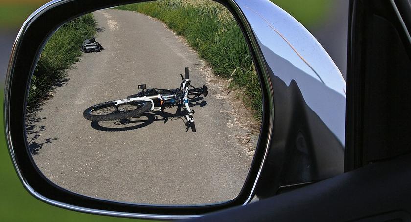 Wypadki drogowe , Potrącił rowerzystkę stracił prawko - zdjęcie, fotografia