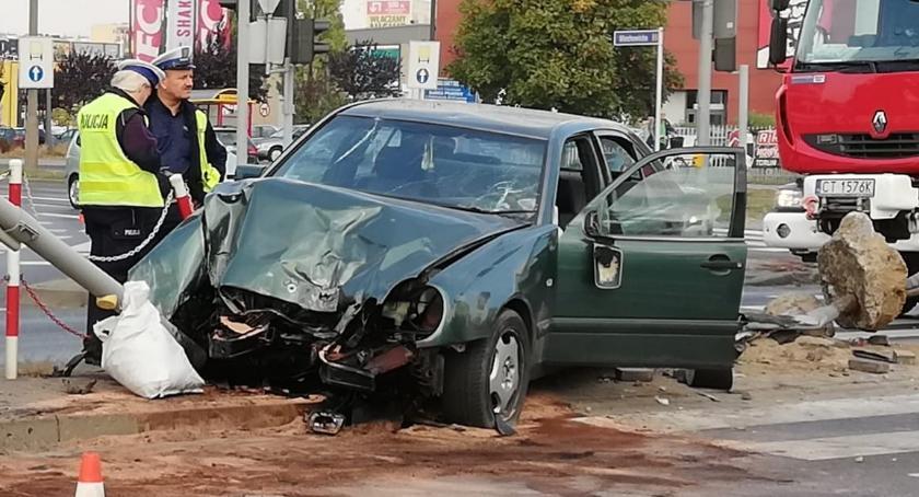 Wypadki drogowe , Wypadek centrum miasta - zdjęcie, fotografia