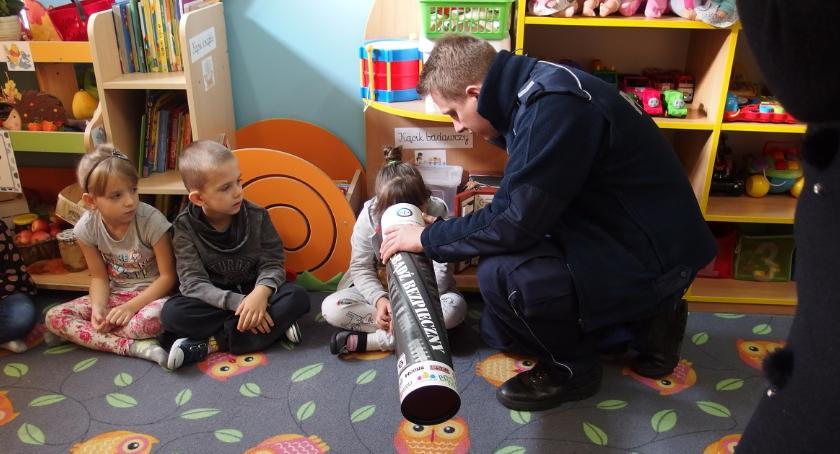 przedszkola, Uczyli bezpiecznymi przedszkolakami - zdjęcie, fotografia