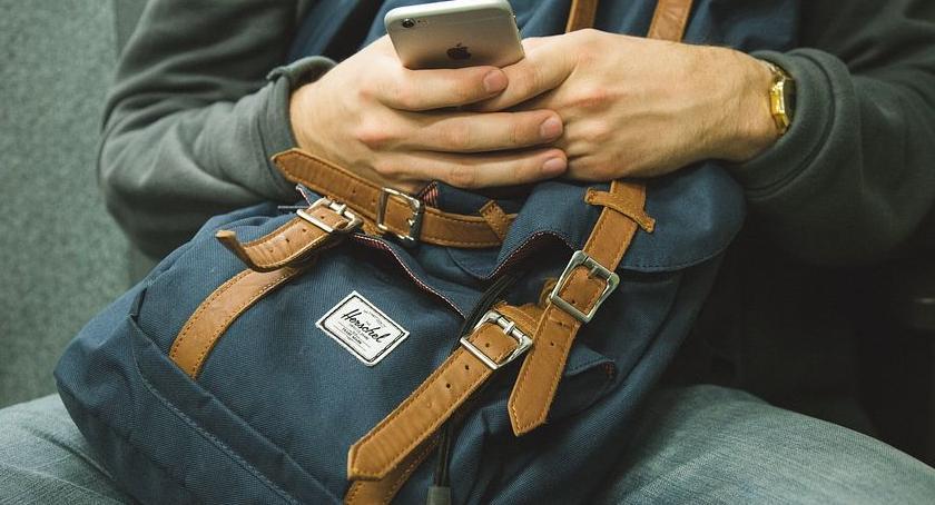 lifestyle, Męska torba ramię jaką zdecydować czego pasuje - zdjęcie, fotografia