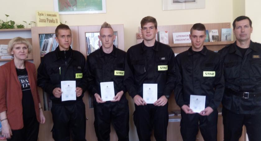 ponadgimnazjalne, Certyfikaty strażaków - zdjęcie, fotografia