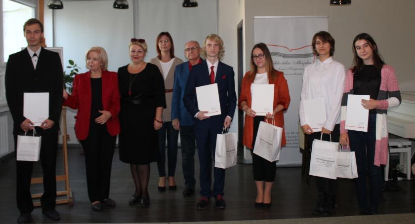 Poezja, Znamy zwycięzcówVII Wojewódzkiego Konkursu Krasomówczego jestem - zdjęcie, fotografia