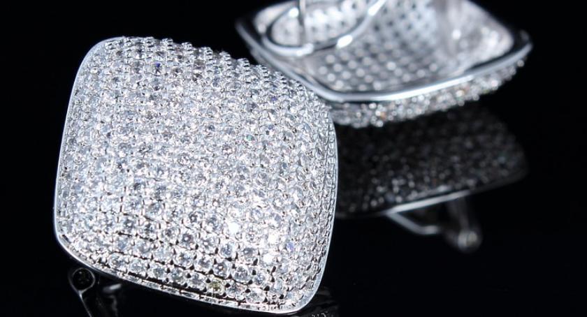 lifestyle, Sztuczne kryształy których blask olśnił cały świat - zdjęcie, fotografia