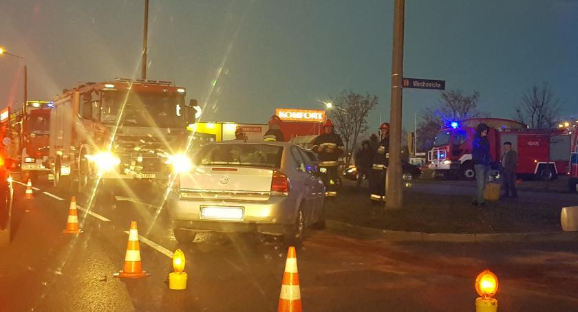 Wypadki drogowe , Kolizja skrzyżowaniu Niepodległości Miechowicka - zdjęcie, fotografia