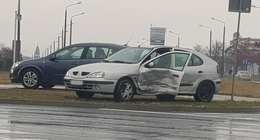 Wypadki drogowe , Ponownie kolizja skrzyżowaniu Niepodległości Miechowicka - zdjęcie, fotografia