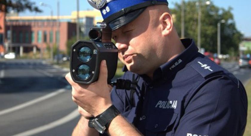 Komunikaty Policja, Policyjne działania prędkość - zdjęcie, fotografia