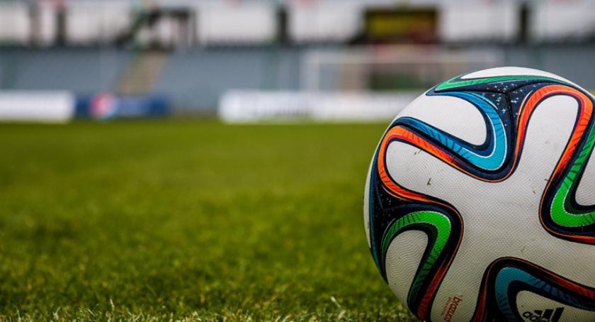 Piłka nożna, Cuiavia wygrywa Pogonią Mogilno - zdjęcie, fotografia