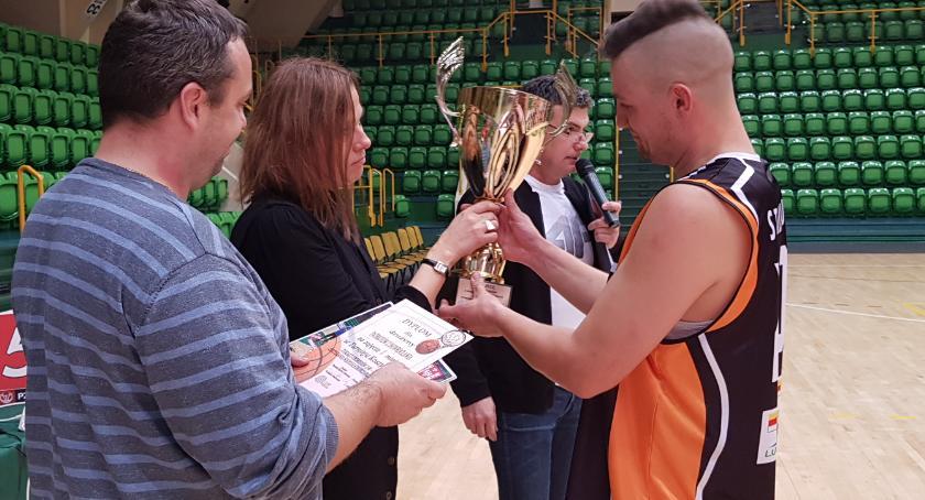 Koszykówka, Patrioci Inowrocław najlepsi koszem - zdjęcie, fotografia