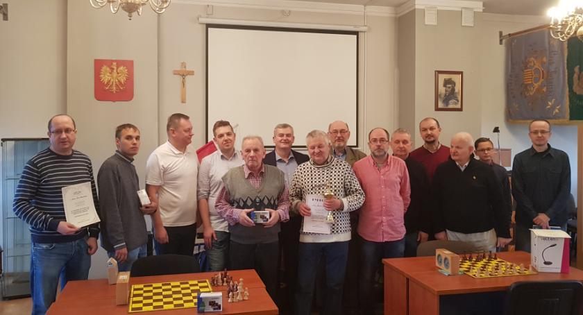 Szachy, Zagrali szachy okazji Święta Niepodległości - zdjęcie, fotografia
