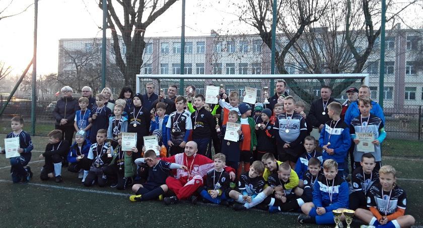 Piłka nożna, Turniej Piłki Nożnej okazji lecia Niepodległości Polski - zdjęcie, fotografia