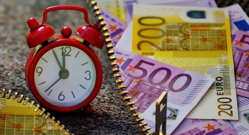 Gospodarka, Chwilówki nawet - zdjęcie, fotografia