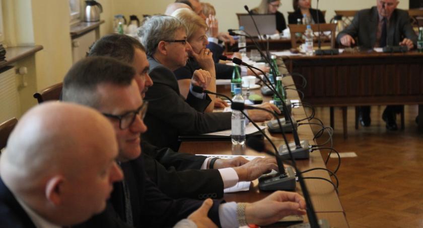 Samorząd, Radni wybrali składy komisji - zdjęcie, fotografia