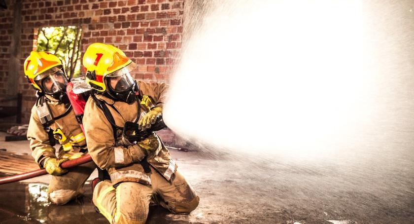 Straż Pożarna - interwencje , Pożar sportowej Rakowicza - zdjęcie, fotografia