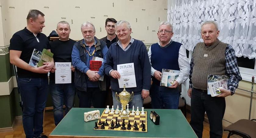 Szachy, Zagrali szachy Koperniku - zdjęcie, fotografia