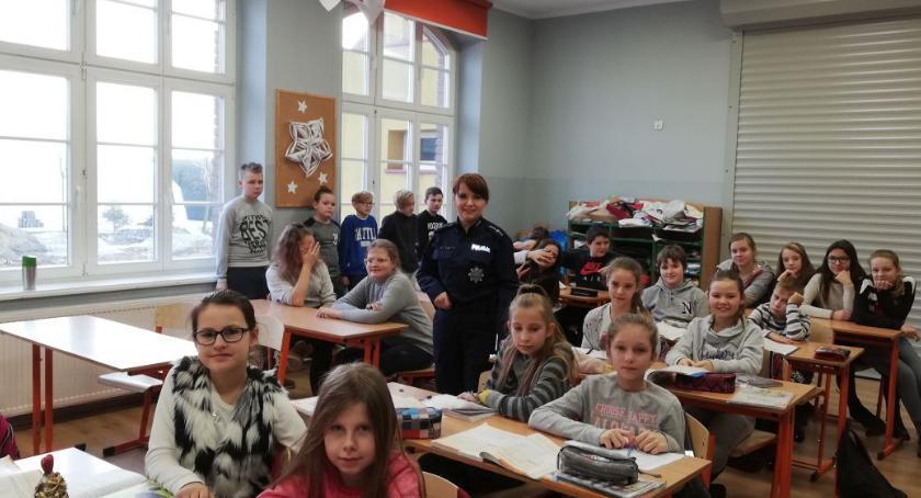 szkoły podstawowe, Prewencyjnie dziećmi młodzieżą - zdjęcie, fotografia