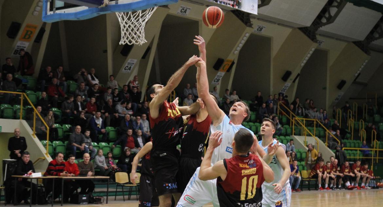 Koszykówka, Decka pokonała Noteć dogrywce - zdjęcie, fotografia