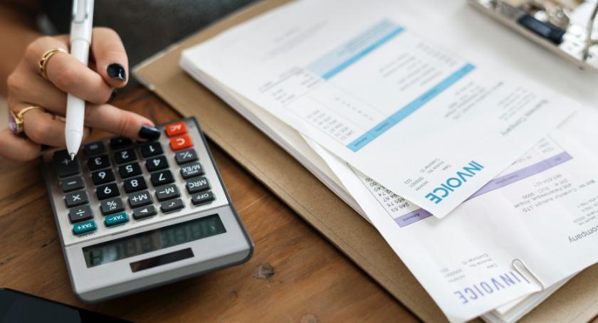 Gospodarka, bezpiecznie korzystnie dobrać ratę kredytu - zdjęcie, fotografia