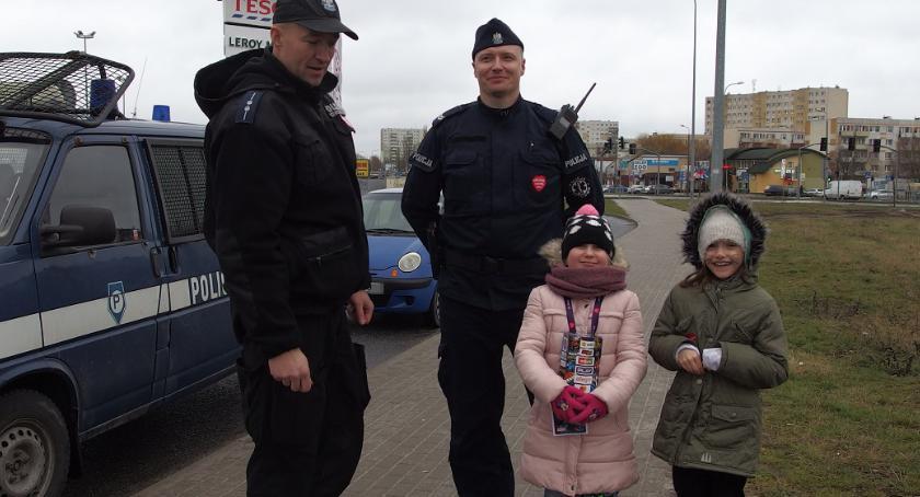 WOSP, Policjanci dbają bezpieczeństwo wolontariuszy - zdjęcie, fotografia