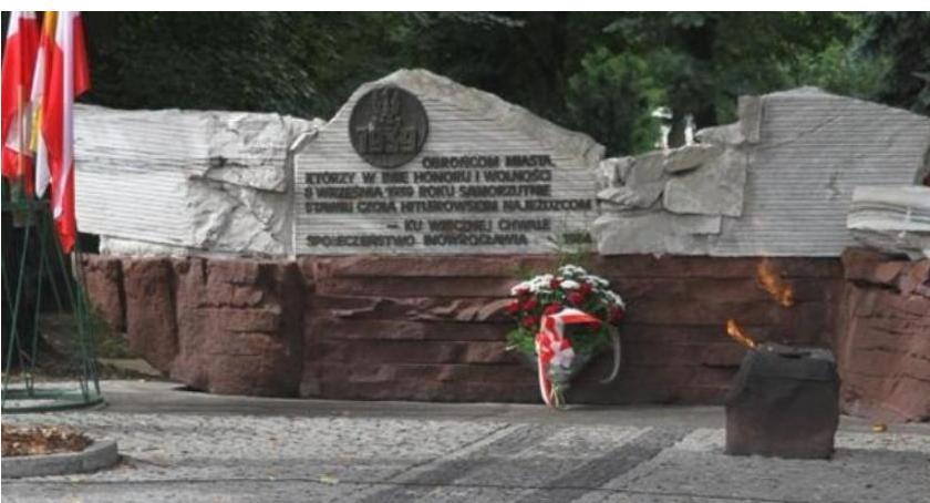 Historia, Lewica zaprasza uroczystość rocznicy wyzwolenia Inowrocławia - zdjęcie, fotografia