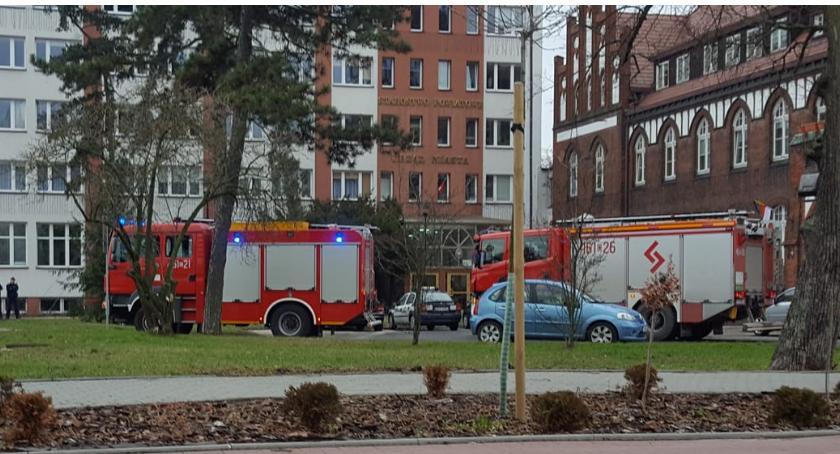 Komunikaty, Ewakuacja Urzędu Miasta alarm fałszywy - zdjęcie, fotografia