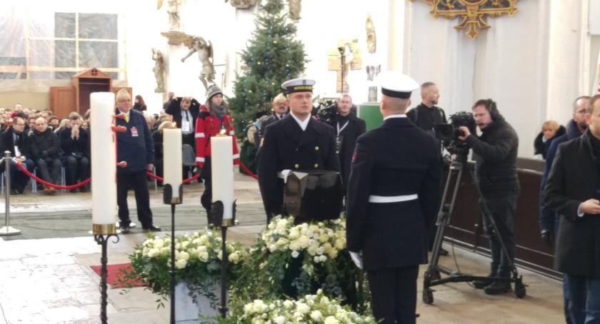 Samorząd, Inowrocław pożegnał Pawła Adamowicza - zdjęcie, fotografia