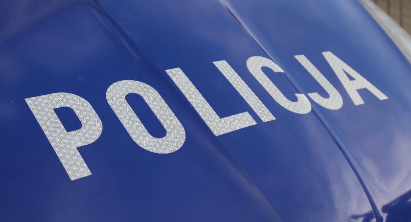 Sprawy kryminalne , Sprawcy rozboju rękach policjantów - zdjęcie, fotografia