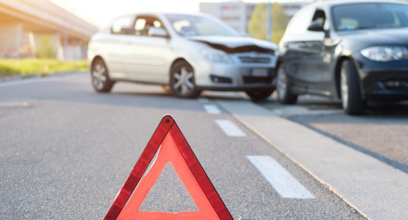 Gospodarka, Ubezpieczenie samochodu kroku trzeba wiedzieć - zdjęcie, fotografia