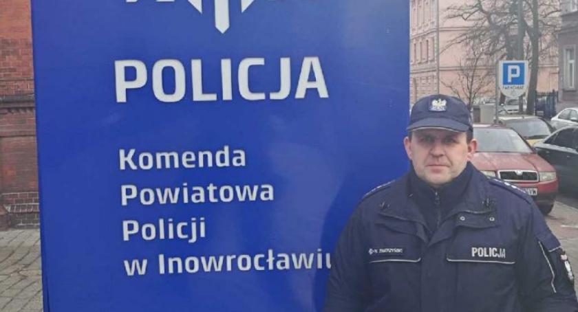 Komunikaty Policja, Policjant Janikowa także służbą czujny drodze - zdjęcie, fotografia