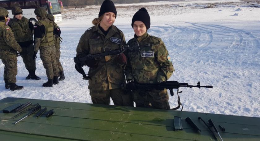 ponadgimnazjalne, Wojskowy Dzień Szkoleniowy poligonie - zdjęcie, fotografia