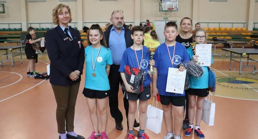 """Tenis stołowy, Czwórka"""" najlepszych województwie tenisistów stołowych - zdjęcie, fotografia"""