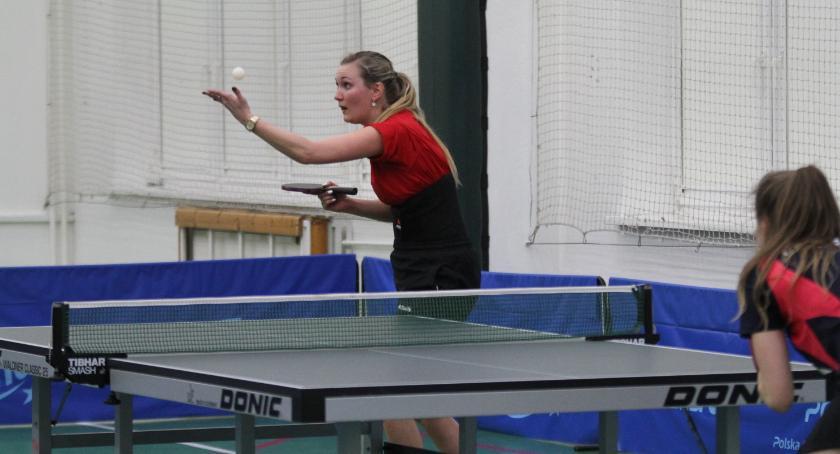 Tenis stołowy, wygrywa wyjeździe - zdjęcie, fotografia