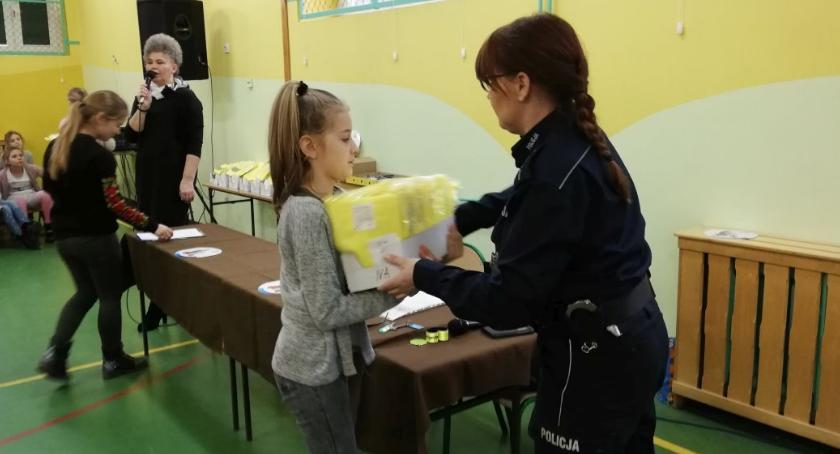 szkoły podstawowe, Edukacja bezpiecznego poruszania drogach - zdjęcie, fotografia