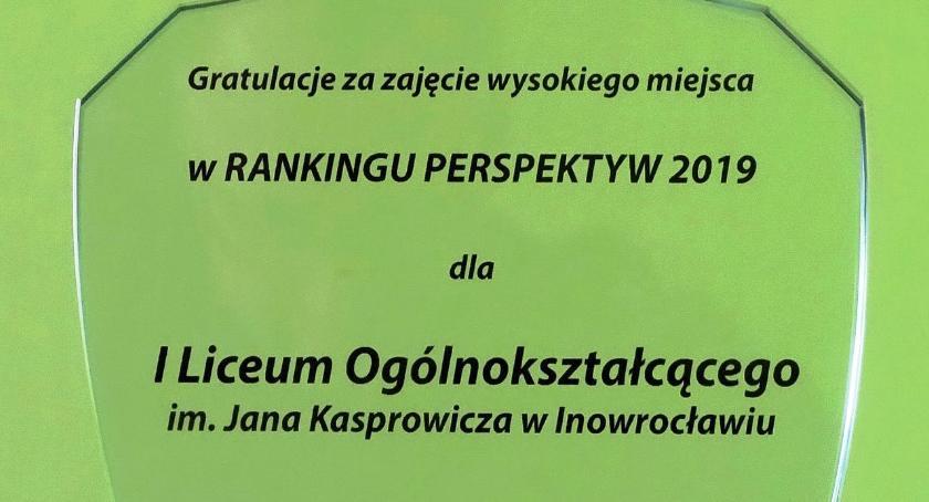 ponadgimnazjalne, Kasper Złotą Tarczą rankingu Perspektyw statuetką Kuratora - zdjęcie, fotografia
