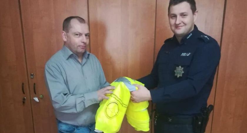 Komunikaty Policja, Policjanci współdziałają samorządami rzecz bezpieczeństwa - zdjęcie, fotografia
