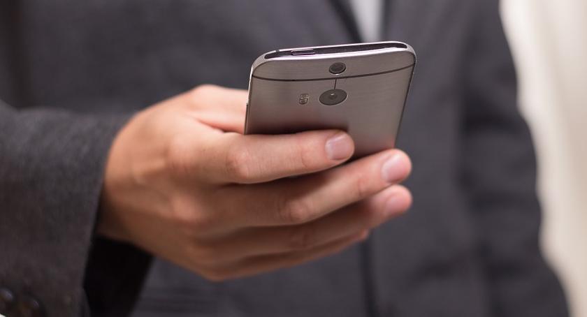 """Sprawy kryminalne , Oszustwo metodą """"sms"""" - zdjęcie, fotografia"""