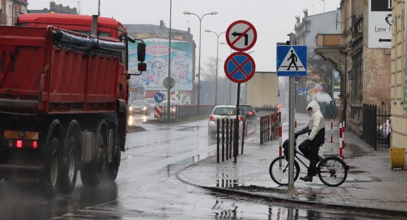 Samorząd, Poprawi bezpieczeństwo skrzyżowaniu Staszica Solankowa - zdjęcie, fotografia