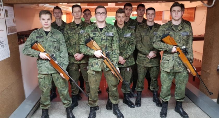 ponadgimnazjalne, strzelnicy - zdjęcie, fotografia