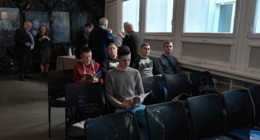 ponadgimnazjalne, Tajniki kryminastyki straszne uczniom Kościelcu - zdjęcie, fotografia