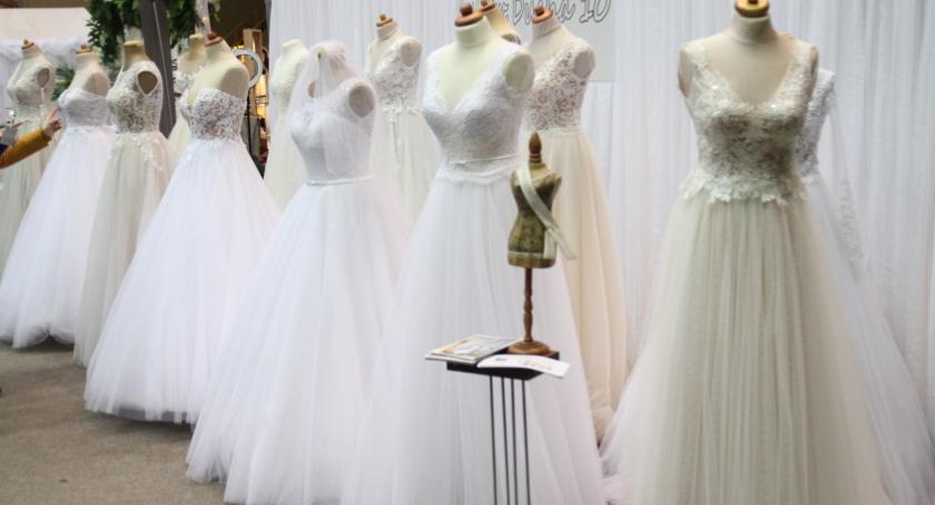 Wystawy, Trwają kolejne targi ślubne - zdjęcie, fotografia